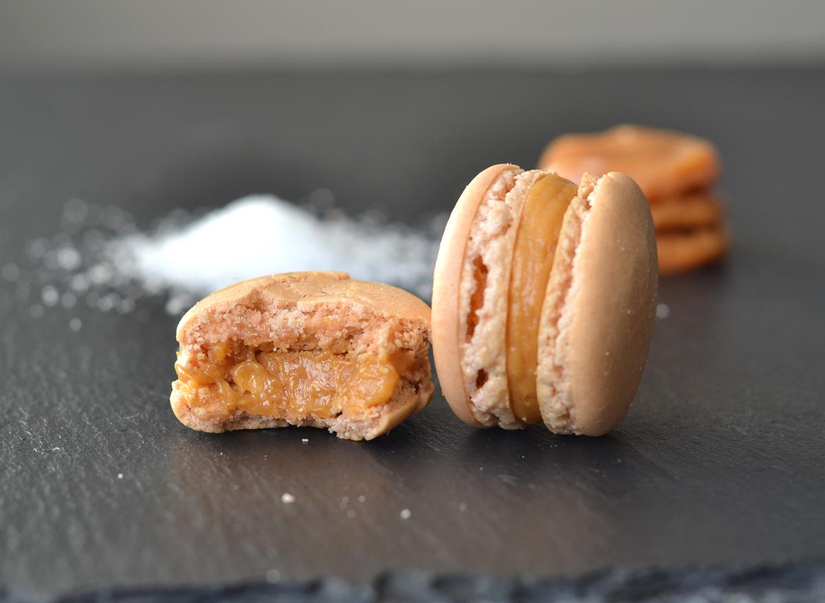Salted Caramel Macarons - homeandcake.dk