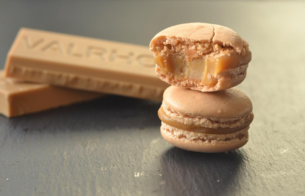 valrhona dulcey macarons